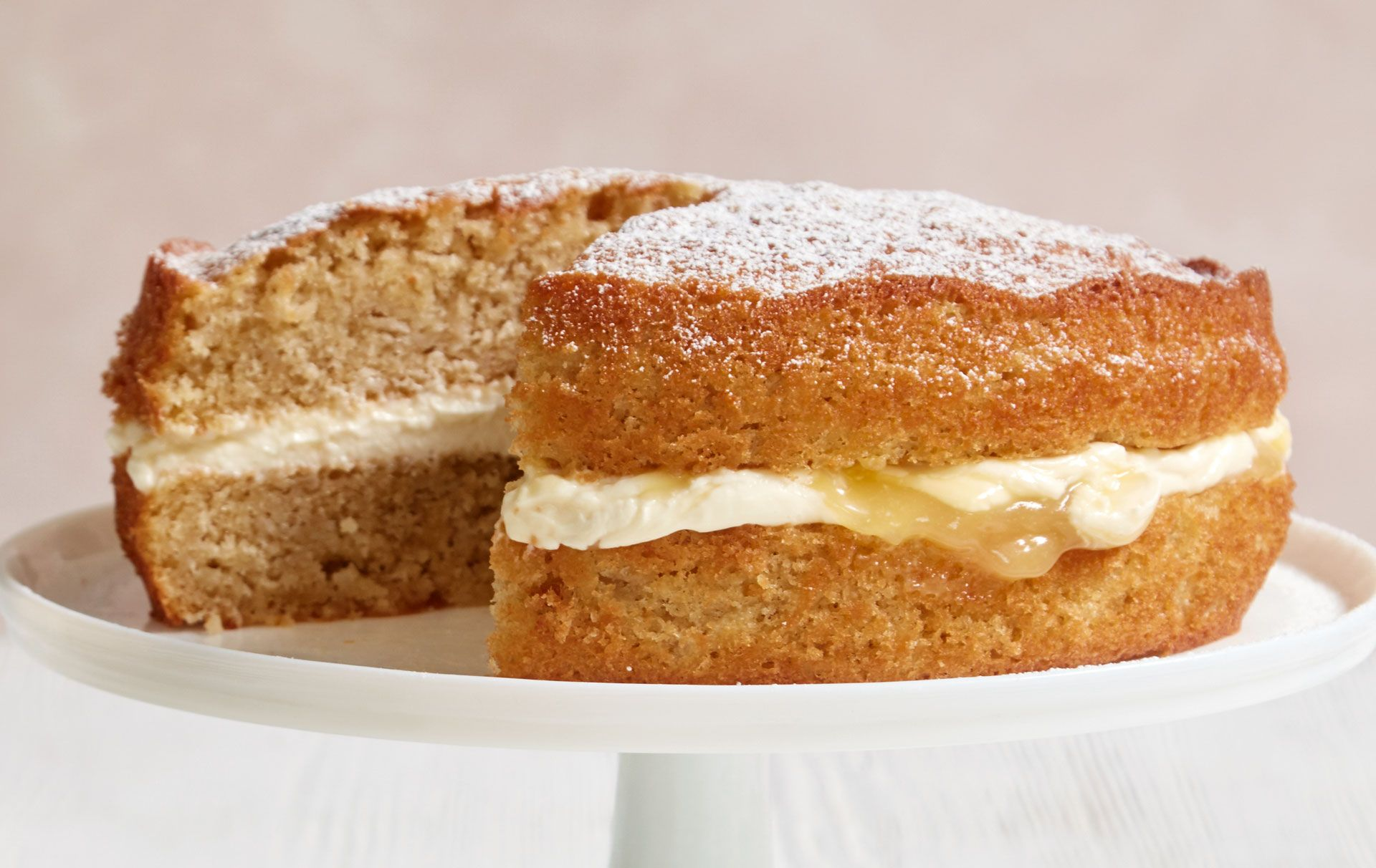 How to make Mary Berry's apple and lemon sandwich cake